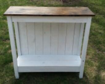 Farmhouse Stand