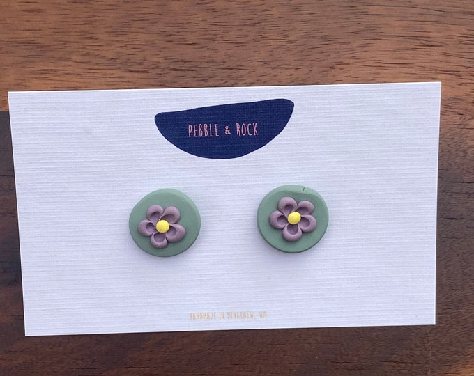 Crazy daisy polymer clay floral stud earring in green & purple.