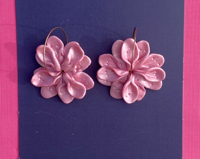 Botanical polymer clay earring, Statement hoop, Pink flower earring, Pink earring.