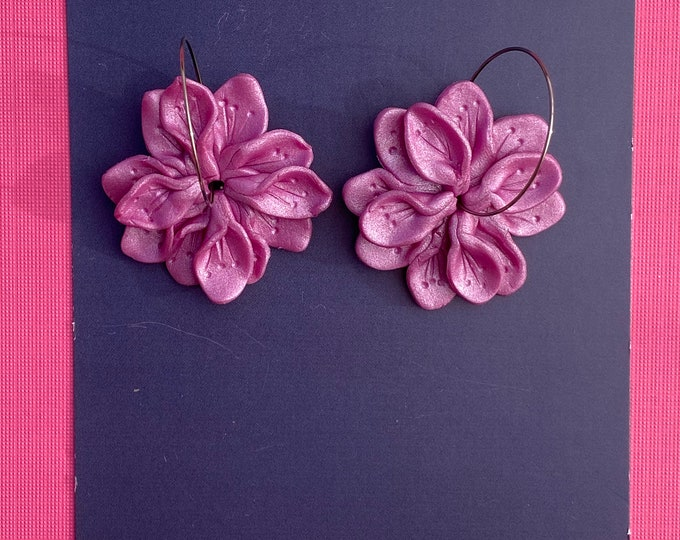 Botanical polymer clay earring, Statement hoop, Purple flower earring, Purple shimmer.