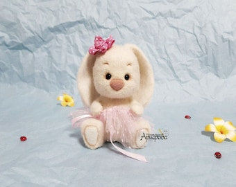 SOLD! Needle Felted Bunny wool Marshmallow