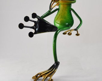 FABULOUS GREEN METAL GARDEN FROG FISHING SHELF SITTING SCULPTURE ORNAMENT FROGS
