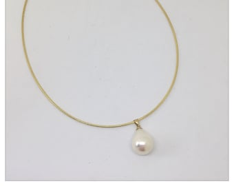 Large freshwater pearl at Omegareif