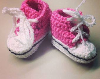 Crochet baby Converse All Star sneakers