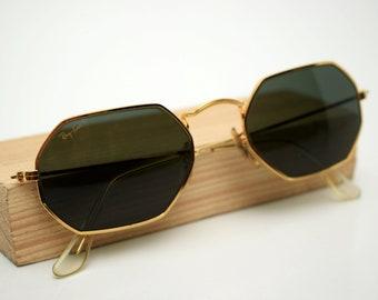 9d628b58ce vintage rare B L Ray Ban USA Sunglasses W1864 XYAW dark green lens