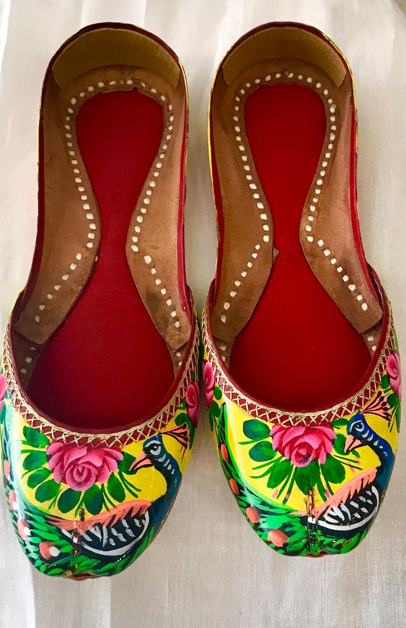 Hand Crafted & Hand Painted Truck Art Leather Sandra ( Khussa ) with Peacock design