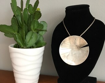 Free Shipping Sterling Lily pad Necklace