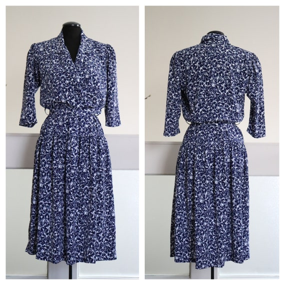 Vintage Eaton's Navy Blue n White Floral Dress. Lo