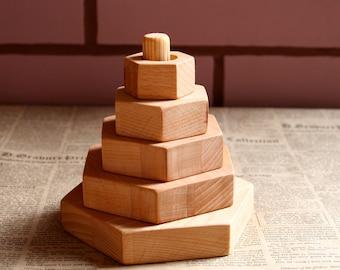 Wooden stacking toy, Montessori toy, Waldorf toy, wooden pyramid, natural wooden toy, wooden stacker
