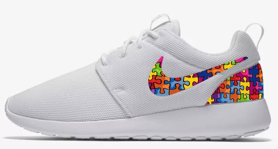 nuovo prodotto d3b73 4d532 Nike Roshe Autism Awareness Custom Made Sneakers