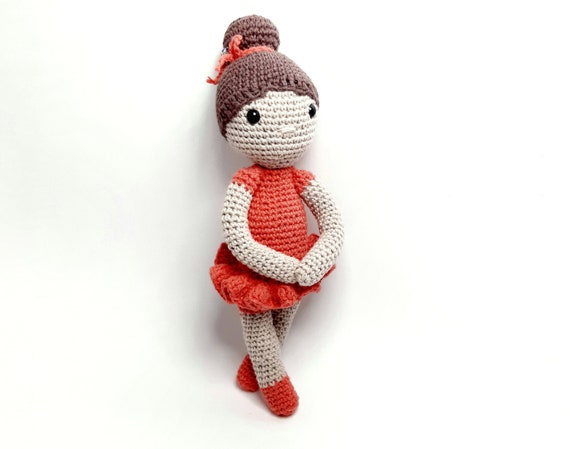 Weebee Crochet Doll - How to sew the arms onto a standard size Weebee doll  - YouTube   449x570