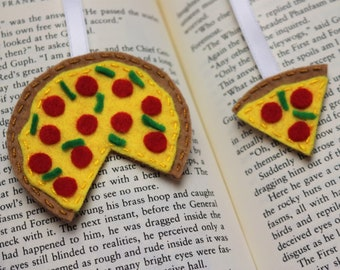 Pizza bookmark, Unique bookmarks, Pizza lover gift, Foodie bookmark, Party favours for kids, Party fillers, Pizza page marker, Felt bookmark