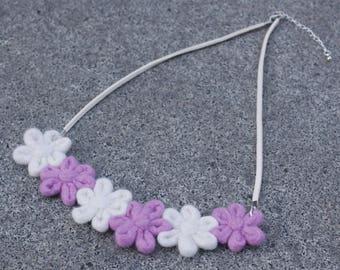 Flowersss Necklace – Pink