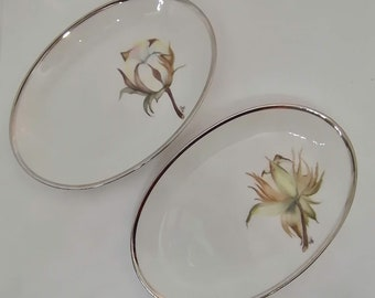 Set of 2 Small dishes delight ovals in traditional porcelain with floral décor on the theme of the coron flower, for chic table