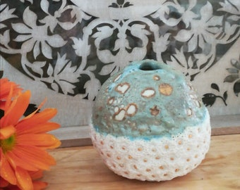 soliflore porcelain ball, carved, unique piece