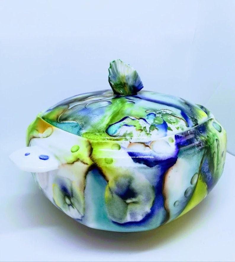 Porcelain Decorative soup table art serving dish image 1