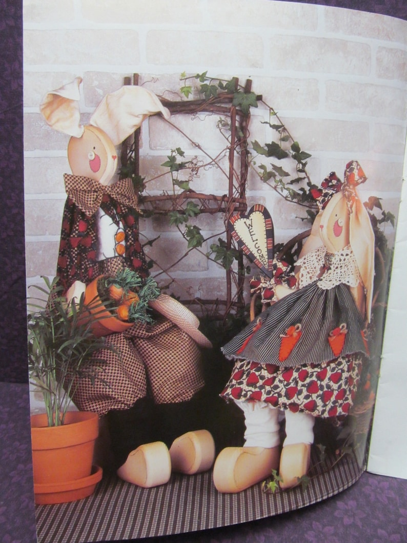 Jill Webster Debbie Crabtree Lewis Cara Bradshaw Tole Painting and Decorative Craft Painting Pattern Booklet A Springtime Gathering