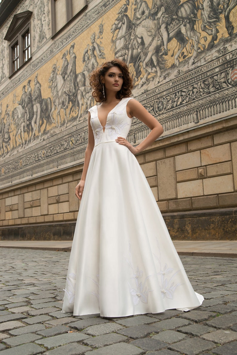 0ea1db8e1f83 ... bride long buttons boho vinta... satin simple modern wedding dress lace  ivory train bride long buttons boho vintage open back wedding gown plus size  ...