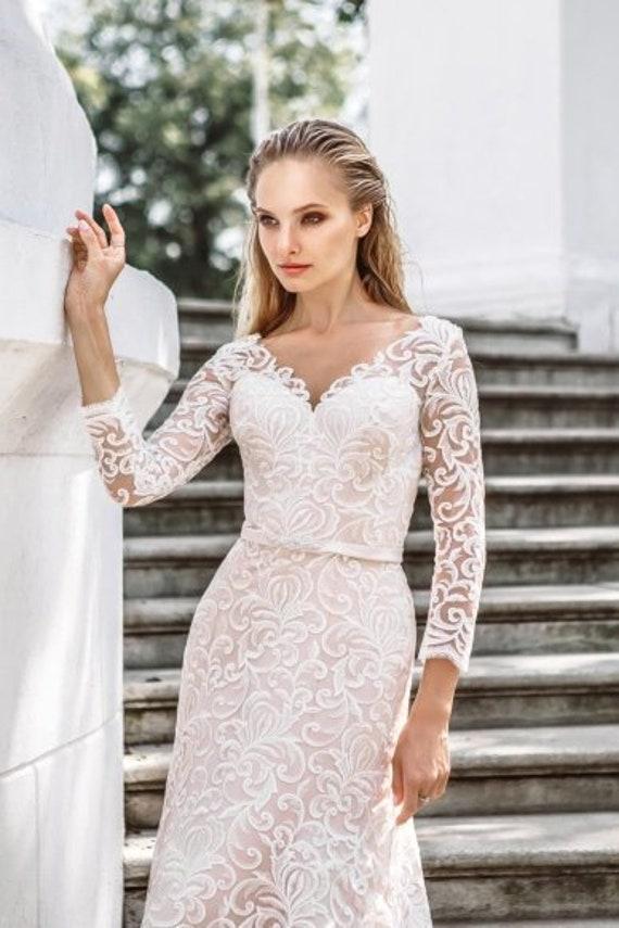 Ivory lace dress sleeves boho wedding dress elegante bohemian wedding gown  rustic wedding lace dress V back bridal long wedding white blush