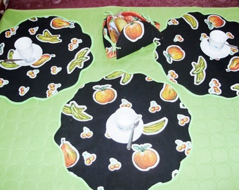 Set of American placemats, breakfast placemats, bread basket, fruit for breakfast...