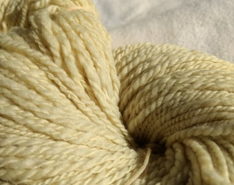 Rosemary  Natural Dyed yarn, Hand spun,  Merino (19.5 micron) 100 % , 8 ply