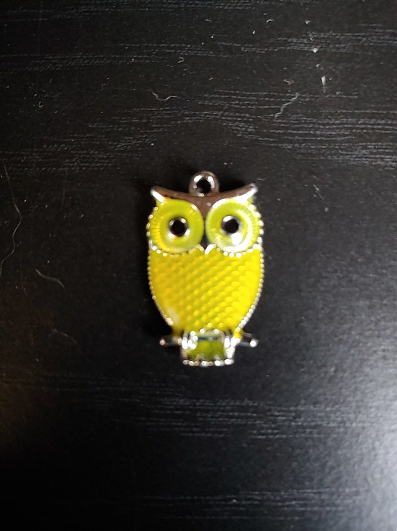 Owl Pendant Yellow Small Silver tone Choker Necklace on image 0