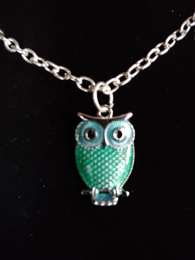 Owl Pendant Green Small Silver tone Choker Necklace on image 0