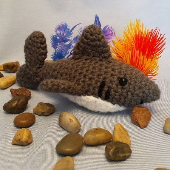 Chum the shark amigurumi pattern - Amigurumipatterns.net | 570x570