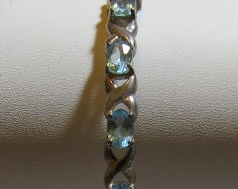 xo bracelet Very nice  marked 925 silver