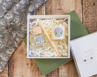 Small gift sets: 5 options. Soy wax candle gift sets, candle and reed diffuser gift set, wax melt burner gift set