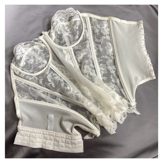80s vintage ivory lace bustier. Sexy lace corset … - image 7