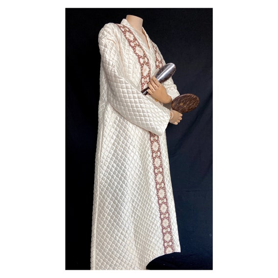 Retro 1960's quilted ivory house coat with a brown