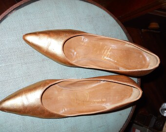 MutantCouture Presents....1960's Gold All Leather Pumps !A Wolff Original!