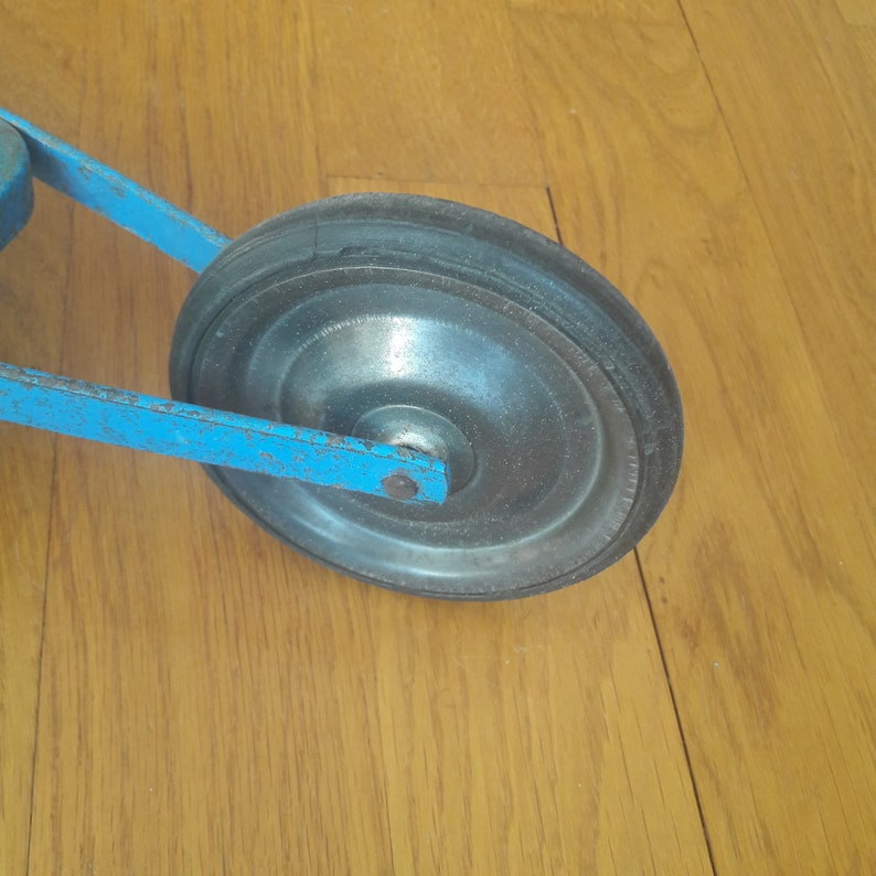 Vintage 1930s blue metal trotinette