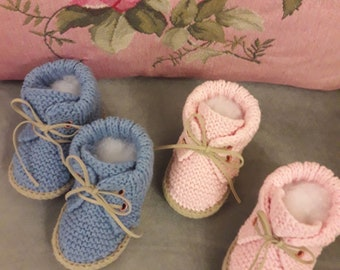 Newborn boy shoes, knit baby booties, baby boy shoes, baby boy gift, coming home outfit, baby shower gift