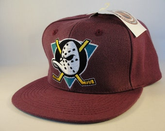 Anaheim Mighty Ducks NHL Vintage Snapback Hat Cap Plum new with tags de242b855