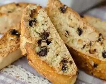 Tuscan Cantucci biscuits with dark chocolate drops. 300gr