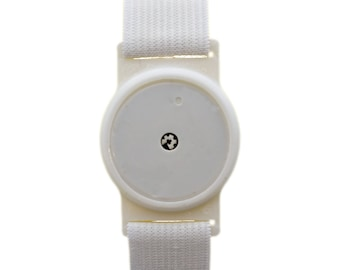 Freestyle Libre Sensor Armband for Protecting your Freestyle Libre Sensor White Holder With White or Black Band