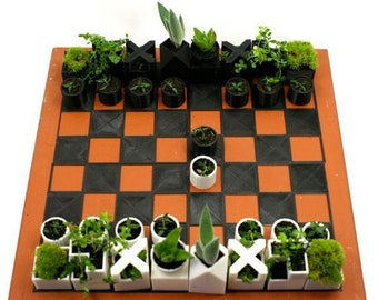 Chess Set Succulents Planter with Compact 4 Piece Board