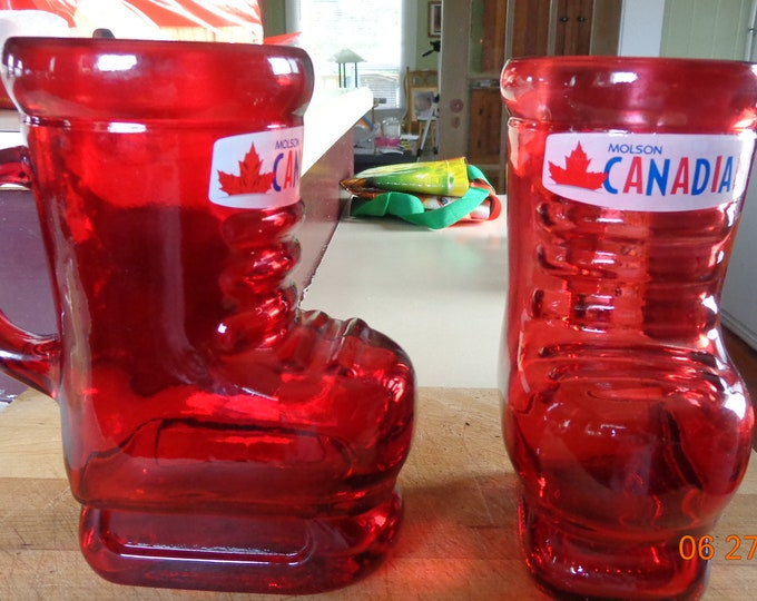 Molson Canadian Set of Two 32 oz Red Hockey Skates Beer Stein Mug Glass 7.5