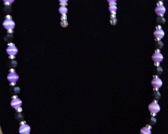 Black and purple for women was spring necklace and Earring