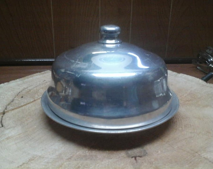 Nice old butter dish / / simple / / aluminum