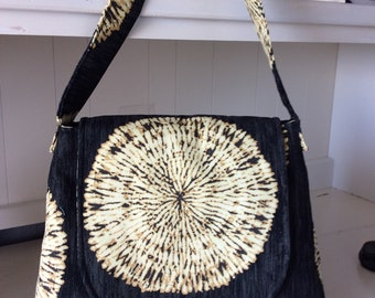 Straw Flower Sun Emblem Bag