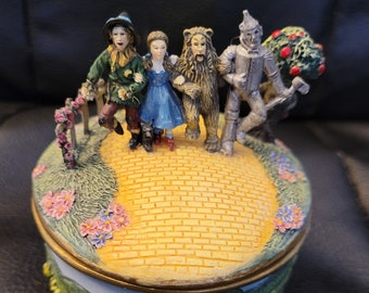 Wizard of Oz Ardleigh Elliott Music Box We're off to see the Wizard 1995