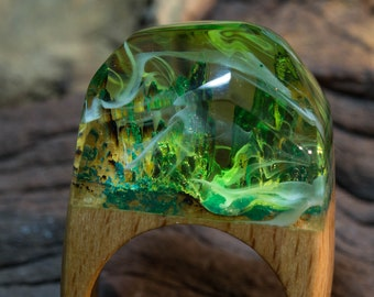 ApatiteMineral ring green with white swirls, wood and resin ring