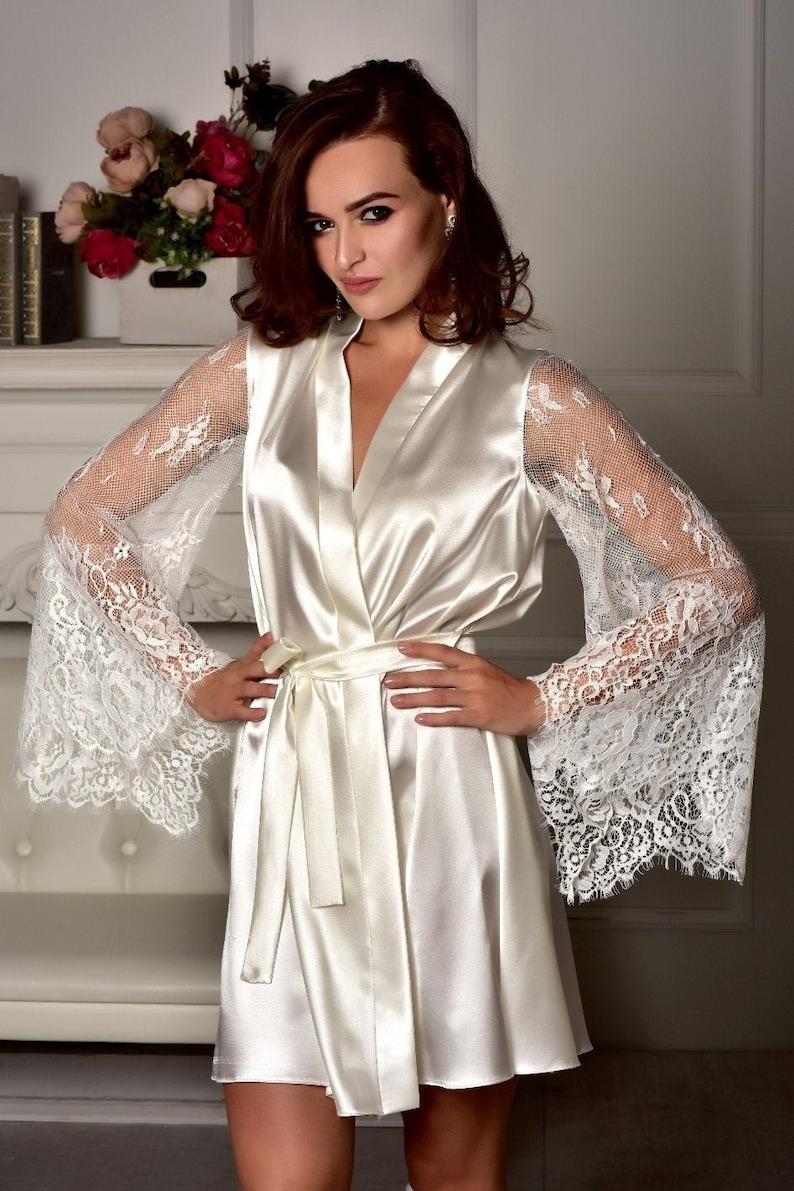 magasin en ligne c3544 f8933 Mariage robe Kimono cadeau pour fête de mariage fille Robe avec dentelle  manches robe de mariée Satin robe demoiselle d'honneur robe femme robe ...