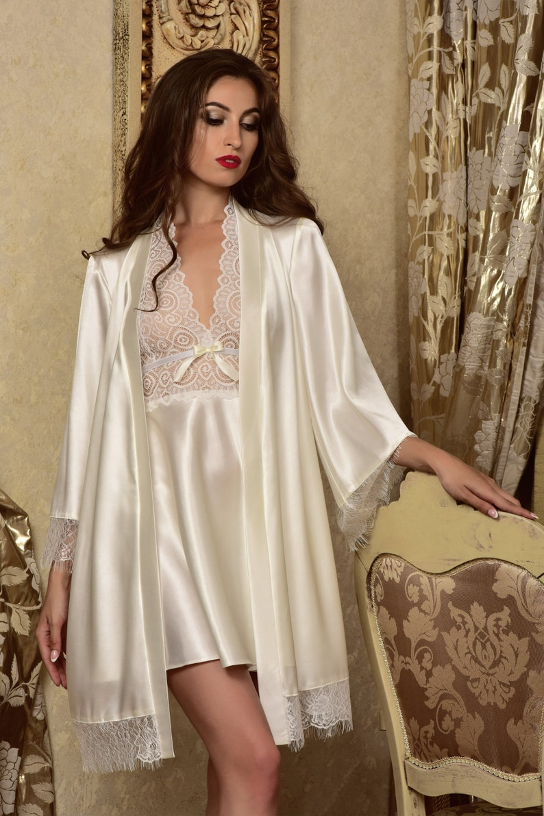 1d85771c601 Bridal nightgown and robe set Wedding robes Lace peignoir