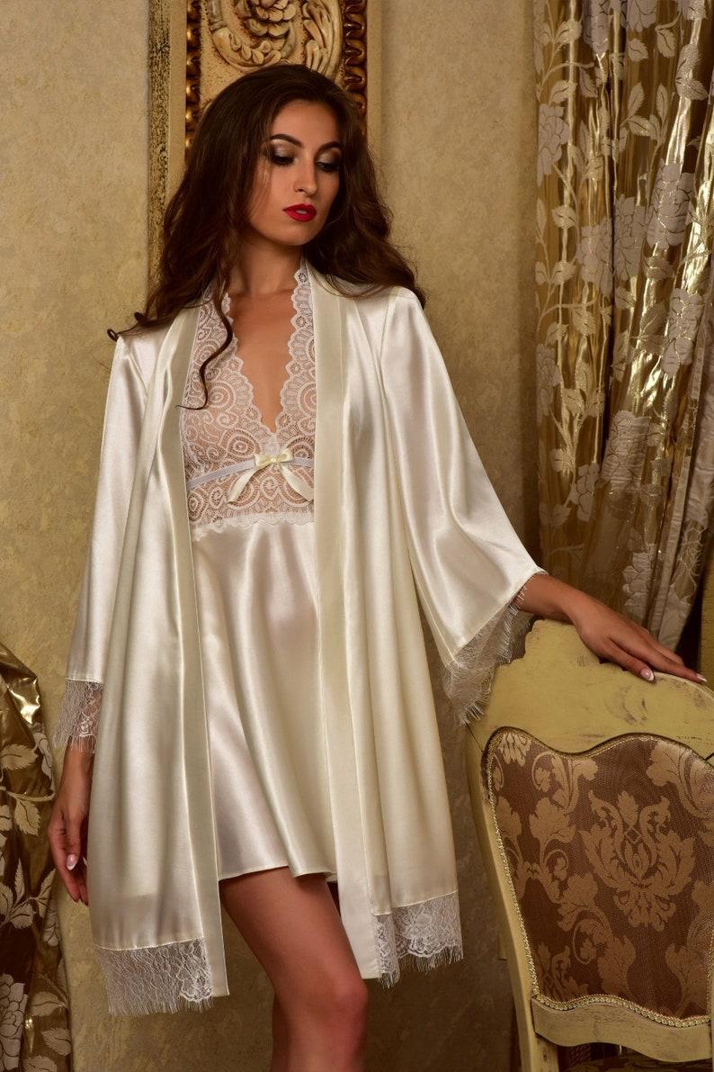 Bridal nightgown and robe set Wedding robes Lace peignoir  43cb1d9da3