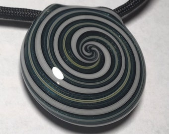 Glass Pendant hollow circle twist
