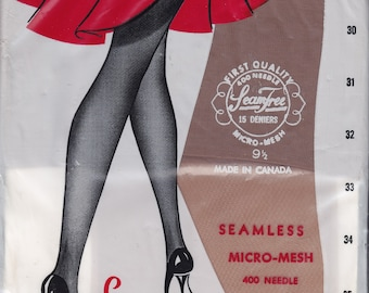 4 pairs of different VINTAGE NYLON STOCKINGS - size 9 1/2 - 33